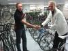 Teamin puolesta kävi valmentaja Pasi Ahlroos kiittämässä yhteistyökumppania Bikeboard center Oy:tä hienosti sujuneesta kaudesta. Focus Ladies 2010 taulun vastaanotti silmin nähden tyytyväinen Jari Luostarinen.