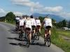 SFI Focus Ladyt tekemässä loppuverryttelyä siirtymällä Bad Knutwilista Chamiin, sunnuntain kilpailupaikkaan. Para+Cycling 2014 -kilpailua hallitsi sveitsiläinen Bigla Team. Paras SFI Focus Ladies -joukkueen ajaja oli Pia Pensaari sijoituksella 16. Kilpailun voitti Biglan Taryn Heather. Hänen keskinopeutensa 72 km matkalla oli lähes 39 km tunnissa. Biglaa edustava Lotta Lepistö oli neljäs.