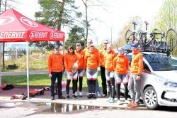 Koko joukkue huoltajineen. Oswald, Cessi, Heli, Sami, Riina, Jyrki, Heidi, Rosa ja Juha.