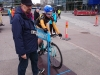 Rosa Törmänen voitti tänään 16.5. ylivoimaisesti Nivalassa ajetun Järvikylän tempon. Kakkoseksi sijoittui Kuusamon Cycloksen Henna-Riikka Launonen. (Kuva otettu parin viikon takaa naisten etappiajon prologin lähdössä Helsingissä)