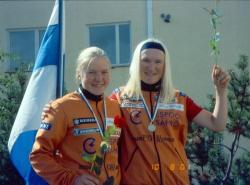 Merja Kiviranta (vas.) ja Sirpa Ahlroos polkivat naisten paritempon suomenmestareiksi.