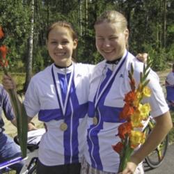 Paritempon Suomen mestarit Laura Lilja ja Heljä Korhonen. Lienee ainut vuosi kun tästä mestaruudesta sai Suomen mestaripaidan, sillä muuten se on jaettu vain henkilökohtaisista mestaruuksista.