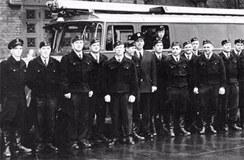 Palopäällikkö Walter Bergströmin perinteet vuodelta 1932 jatkuivat, kuten kuvasta näkyy, 1940-, 50-, 60- ja 1970-luvuilla; nopeita ja vahvoja miehiä.