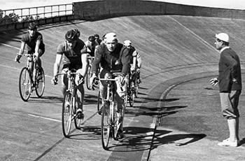 Rata-SM-kilpailut järjestettiin ensimmäistä kertaa Tampereella, mutta seuramme ei lähettänyt sinne yhtään edustajaa. Helsingin velodromi sen sijaan oli ahkerassa käytössä.