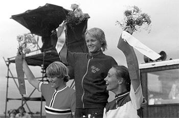 PM-kilpailut Kööpenhaminassa, Agnete Asplund I (Ruotsi), Pirjo ''Pia'' Pyykkönen II (oik.) ja May-Britt Nielsen III (Norja) 45 km:n matkalla kaikilla sama aika 1:11:29.